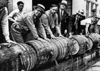 20 Photos From the Days of Prohibition